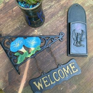 Cast iron Welcome Sign & Match Holder